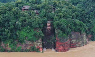 China floods: 100,000 on Yangtze evacuated, Leshan Buddha at risk
